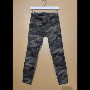 Express Low-Rise Skinny Jean Green Camo Size 0